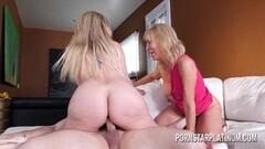 Big tits bouncing Thumb