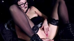 Hot Gothic Adelina White Masturbating Thumb