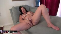 Amateur babe dildo fucks her moist pussy Thumb