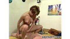 Mature whit nice ass Play whit pussy Thumb