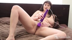 Young amateur masturbation with her dildo Thumb