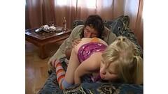 Audrey masturbates in lingerie Thumb