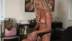 Hot blonde vibrates the clit Thumb
