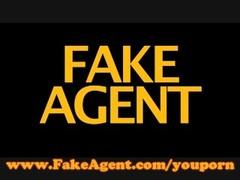 FakeAgent Hot Italian babe Thumb