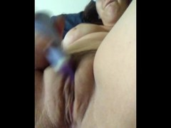 Cute amateur plays with her pussy Thumb