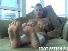 Foot Worshiping And Femdom Feet Videos Thumb