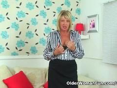 British gilf Amy fucks herself with a dildo Thumb