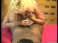Cuckolds mom likes it black and thick Thumb