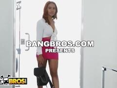 BANGBROS - Hip Hop Groupie Jenna Foxx Fucks Slimpoke To Get On Tour Thumb