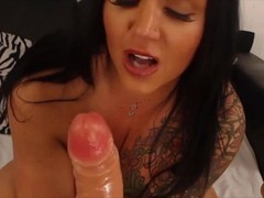 Sexual brunette cougar Ashton with big pierced tits rides Thumb
