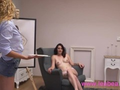 Lesbea Sexy art student eats out cute natural body lesbian model Thumb