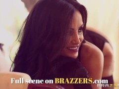BRAZZERS - Teens Jayden Jaymes & Kagney Linn Karter share cock in anal threesome Thumb