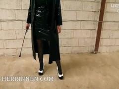 Shiny PVC Herrin Lack Pumps High Heels Lecksklave JOI POV Thumb