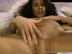 Exotic Brunette Mom Masturbating For You Thumb